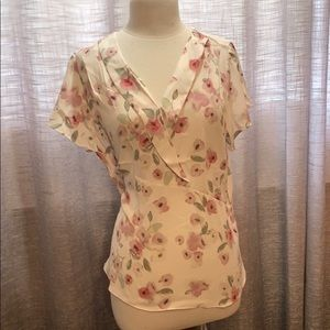 NWT RW&CO floral pastel blouse